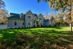 EAST HAMPTON TURN-KEY TRADITIONAL ON 2 ACRES WITH POOL